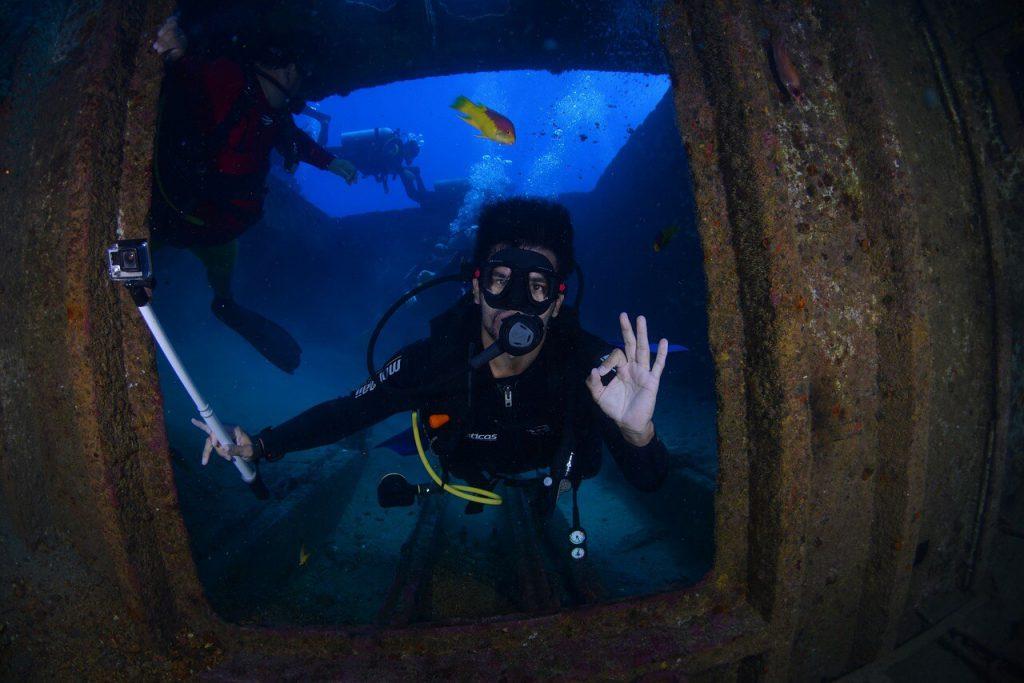 Scuba diving wrecks